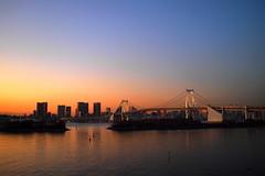Sunset on Tokyo (Haomin/) Tags: sunset 日本 東京 japon rainbowbridge お台場 レインボーブリッジ 东京 odaibaisland olympusepl2