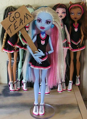 GoTeam (dorriebelle) Tags: abbey sign mattel basic fearleader monsterhighdolls