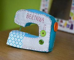 Felt sewing machine (Ma.rysia) Tags: blue cute handmade sewing craft felt pincushion sewingmachine marysia bernina cutable