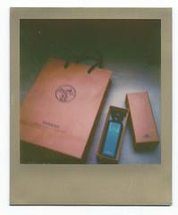 Hermès Polaroid (raysnaps ☂) Tags: orange project bag de polaroid gold eau perfume box border cologne tip hermes hermès 680 impossible px px680