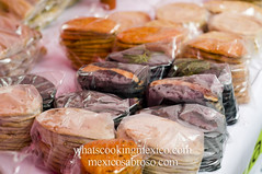 """Tlacoyos, goridtas and tortillas<br /><span style=""""font-size:0.8em;"""">Read more about it here:<br /><a href=""""http://whatscookingmexico.com/2012/01/30/market-monday-sullivan-tianguis-a-photoset/"""" rel=""""nofollow"""">whatscookingmexico.com/2012/01/30/market-monday-sullivan-...</a></span> • <a style=""""font-size:0.8em;"""" href=""""https://www.flickr.com/photos/7515640@N06/6789292279/"""" target=""""_blank"""">View on Flickr</a>"""
