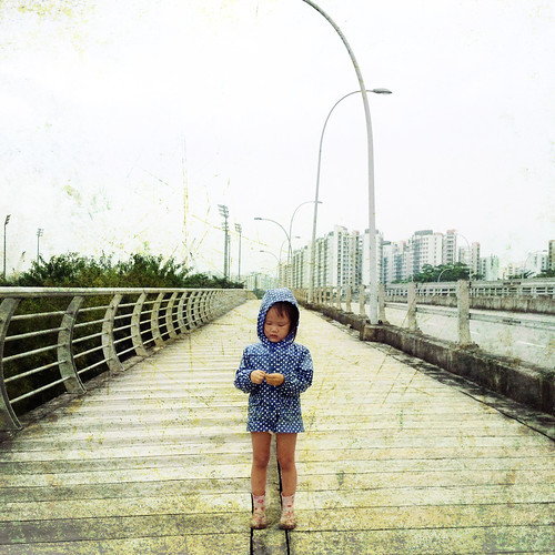 road park bridge people texture rain boot toddler singapore andrea daughter raincoat sengkang 4s iphone sengkangriversidepark