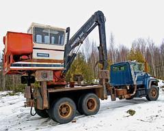 0005947 (Shakies Buddy) Tags: canada ford truck log diesel nb 300views prentice loader allrightsreserved nbphoto l8000 210c