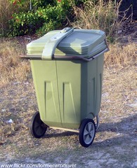 """Privately Owned """"City of Winter Haven"""" Vintage Zarn Garbage Cart with Attached Lid (FormerWMDriver) Tags: old classic trash vintage garbage antique can bin collection container gal rubbish waste cart refuse 95 90 60 65 sanitation 96 gallon zarn"""