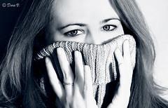 Emanuela (Dora Joey) Tags: blue red portrait blackandwhite verde green girl beauty look donna eyes women blu yeux occhi sguardo miroir rosso glance ritratto biancoenero bellezza ragazza blancheetnoir bestportraitsaoi soulopeople2