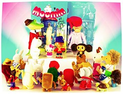 Another dilemma (Gnome Girl!) Tags: rabbit bunny love fun toy hellokitty beatrixpotter retro moomin domo surprise present hedgehog moomins cheburashka flocked jeremyfisher hedghog sylvanian mintinbox revoltech