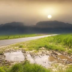 concept art (John ) Tags: sun mountain canon1022 canon60d