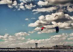 Freedom... On A Long Leash (Silke Klimesch) Tags: sky kite berlin nuvola himmel wolken olympus aeroporto cu kiteboarding ciel cielo nubes flughafen nuage nuvem kitesurf aeropuerto hemel lufthavn omd drachen bulut wolk luchthaven aroport pilvi niebo chmura taivas flygplats flughafentempelhof lentokentt gk em5 portlotniczy microfourthirds berlintempelhofairport tempelhoferfreiheit aeroportodiberlinotempelhof ommcautos eroportdeberlintempelhof aeropuertodeberlntempelhof berlintempelhofhavaliman