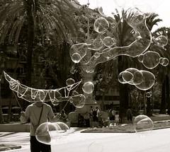 Bolle (Valentina Casella) Tags: white black out e bubble bianco nero barcellona bolle