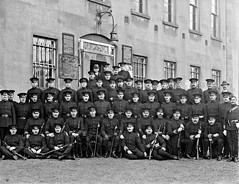 R.I.C. group with County Inspector Hetreed (National Library of Ireland on The Commons) Tags: dog police courthouse uniforms ric waterford retirement 1917 glassnegative carbines nationallibraryofireland royalirishconstabulary photobomb waterfordcourthouse ahpoole poolecollection arthurhenripoole hetreed countyinspectorhetreed wcphetreed moustasches royalirishconstabularycavalry williamcharlespatrickhetreed
