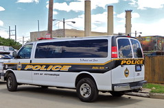 Pittsburgh PD, Pennsylvania (10-42Adam) Tags: chevrolet pittsburgh pennsylvania police chevy express van lawenforcement policevan paddywagon pittsburghpolice citypolice pittsburghpolicedepartment pittsburghpd transportvan pennsylvaniapolice