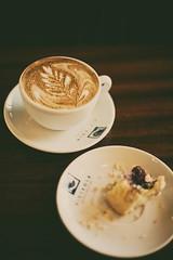 Crumbs & Coffee ([Katsumi]) Tags: seattle brown white black cup coffee milk cookie tasty delicious foam wa espresso victrola crumbs latte caffeine latteart saucer