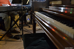 Keyboards (Annette LeDuff) Tags: musician music bench hands keyboard michigan piano jazz musicalinstrument keyboards recordingstudio jazzmusic jazzmusician rochestermi photoannetteleduff annetteleduff twozweideuxduedva 12202011 rickmatle