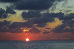 Sunset (Sulafa) Tags: sunset sea cloud sun