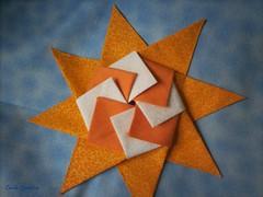 Mandala Sol em origami (Carla Cordeiro) Tags: sol origami mandala patchwork dobradura panô azullaranja orinuno