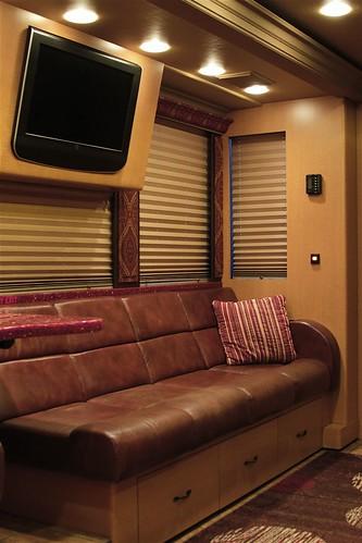 Chippewa - Front Lounge