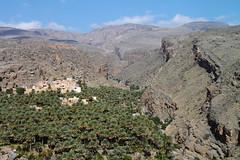 Misfat al Abriyyin, Oman (monchoparis) Tags: mountains canon eos village desert pueblo canyon gorge desierto oman montaas montagnes caon omn 500d    misfat   tamron18270  sultanatdoman   misfatalabriyyin sultanatodeoman