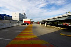 Plus City (austrianpsycho) Tags: auto building dach gebäude parkhaus pasching parkplätze pluscity