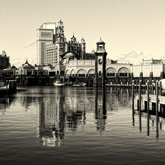 Atlantis (Explored) (. Jianwei .) Tags: monochrome architecture reflections hotel post sony symmetry atlantis processing 365 bahamas 204 lostcity   a500 jianwei kemily alwaysexc