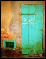 Hope is the last that dies... (silwittmann) Tags: door brazil house building green sc colors wall brasil facade puerta decay rustic porta fachada pomerode dwwg