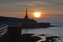 Aberystwyth War Memorial at Sunset (John-Greenweeds) Tags: winter sunset castle aberystwyth warmemorial wingedvictory