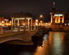 st charles at night (Theresa*) Tags: winter cold river illinois oneofakind foxriver stcharles northavenue wetreflections wateroceanslakesriverscreeks hotelbaker route64 beautifulcapture natureandlandscapes scenicoutdoors prettyfreakinsweet screamofthephotographer keleka656 nikond7000 adayinthelifeofours postthebest