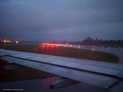 Pista Jose Maria Cordoba (Ivan Mauricio Agudelo Velasquez) Tags: airplane air amanecer pista aereo avion aviones