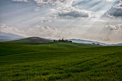 Val d'Orcia (gionatatammaro) Tags: light verde green clouds nuvole rays colline raggidiluce nikond610