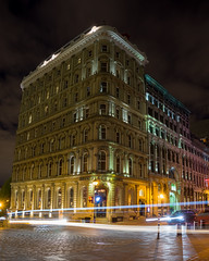 Hotel Place d'Armes (Fred_514) Tags: green sony a6000 hotelplacedarmes quebec montreal canada vieuxport oldport longexposure inexplore explorecanada mtlblog livemontreal mirrorless