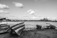 Monastir Port (Adri Pez) Tags: sea sky blanco beach water clouds port boats puerto mar blackwhite sand agua mediterranean y tunisia negro playa arena cielo nubes barcas tunisie mediterrneo tnez monastir mediterrani