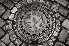 DIN 19584 (++sepp++) Tags: bw berlin germany de deutschland blackwhite europa europe pavement round sw manhole monochrom rund pflaster kanaldeckel kopfsteinpflaster einfarbig schwarzweis cobblestonepavement