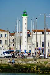 Far urbanita / Urban lighthouse (SBA73) Tags: lighthouse france port faro puerto frankreich harbour frança larochelle francia far phare feu charente charentemaritime quaivalin xaranta