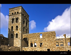 Monestir de Sant Pere de Rodes (2) / Alt Empordà / Girona / Catalunya (Cataluña-Catalonia) (Ull màgic (+1.000.000 views)) Tags: torre catalonia girona catalunya monasterio cataluña campanario gerona monestir campanar empordà santperederodes