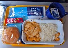 Airline food. SATA flight Ponta Delgada to Amsterdam. (elsa11) Tags: food chicken dinner airplane bread rice flight airline inflightmeal kitkat sata bun airlinefood sataflight