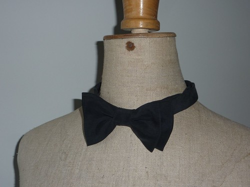 "silk bow tie • <a style=""font-size:0.8em;"" href=""http://www.flickr.com/photos/35733879@N02/6473462259/"" target=""_blank"">View on Flickr</a>"