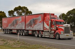 Kenworth T909 (quarterdeck888) Tags: highway flickr grain trucks trailers roadtrain kenworth tippers quarterdeck newellhighway bdouble t909
