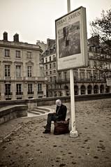 La chaleur de Diane (jeroml) Tags: paris tuileries chaise dianearbus jeudepaume sansdomicile