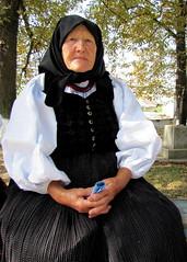 idős asszony / old woman (debreczeniemoke) Tags: old woman transylvania transilvania traditionaldress sic commemoration erdély 1717 asszony népviselet szék megemlékezés öreg idős canonpowershotsx20is bartholomewsday augusztus24 24agust szentbertalannapja thetartarshavoc tatárdúlás