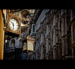 hands betrayed by the light (elmofoto) Tags: blue italy sunlight clock architecture florence rust dragon cathedral fav50 fav20 copper firenze lantern duomo fav30 renaissance 500v lateafternoon giotto 1870 fav10 fav25 fav100 fav40 fav60 afsdxzoomnikkor1870mmf3545gifed fav70 fav75 ssfmlm elmofoto elmofoto lorenzomontezemolo