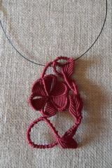 Girocollo con fiore Bordeaux Margarete (patty macram) Tags: collier bijoux creazioni macrame makrame gioielli ciondoli accessori macram girocolli margaretenspitze