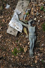 Broken (stridli) Tags: france cemetery dead religious cross mort cimetire religieux thiers