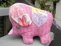 elephant (Sami's Dolls) Tags: elephant turtle stuffedanimals samu handmadetoys waldorfdolls waldorftoys samiramina samisdolls