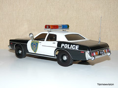 Dodge Monaco 1977 (Police / Cops Car) - AMT ('Yannewvision') Tags: old miniature losangeles frankreich plymouth police monaco dodge 1978 1977 spielzeug fury jouet miniatur alten  policepatrol dukeofhazzard copscar sheriffaismoipeur yannewvision