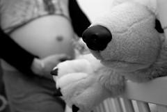 En attendant la petite01 (Milo7777) Tags: bw baby white black nikon noir pregnancy pregnant nb enceinte blanc bébé carrillo olivier gard alès d80 milo7777