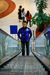 escalator in the mall (BEY CHUA) Tags: shiny jacket tracksuit secretgarden hyunbin bey kimjoowon beychua bluesequin
