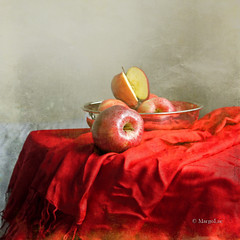 Still Life & Red Apples (MargoLuc) Tags: red stilllife texture silverware apples mybirthday platinumheartaward alwaysexc absoluterouge