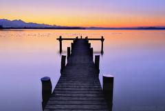 Pier and Purple (alpenbild.de) Tags: sunset lake reflection water contrast bayern bavaria see evening abend pier wasser sonnenuntergang dusk dämmerung kontrast reflexion chiemsee steg 巴伐利亚 chiemgau chiemgaueralpen übersee uebersee alpenbildde