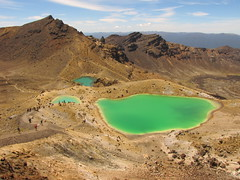 Emerald Lakes, Summer. (blue polaris) Tags: park new travel newzealand summer landscape island volcano scenery mt crossing earth plateau north central lord lotr rings zealand alpine national crater nz doom tongarironationalpark northisland middle tongariro volcanic ngauruhoe mordor ruaphehu centralvolcanicplateau