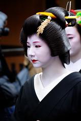 (Tamayura) Tags: japan nikon kyoto jan maiko geiko gion kansai d3 2012 gionkobu 70200mmf28gvrii 201201071356400