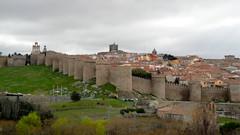Murallas de Avila, siglo XII. (lumog37) Tags: castles architecture arquitectura walls romanesque castillos fortresses murallas romnico fortalezas